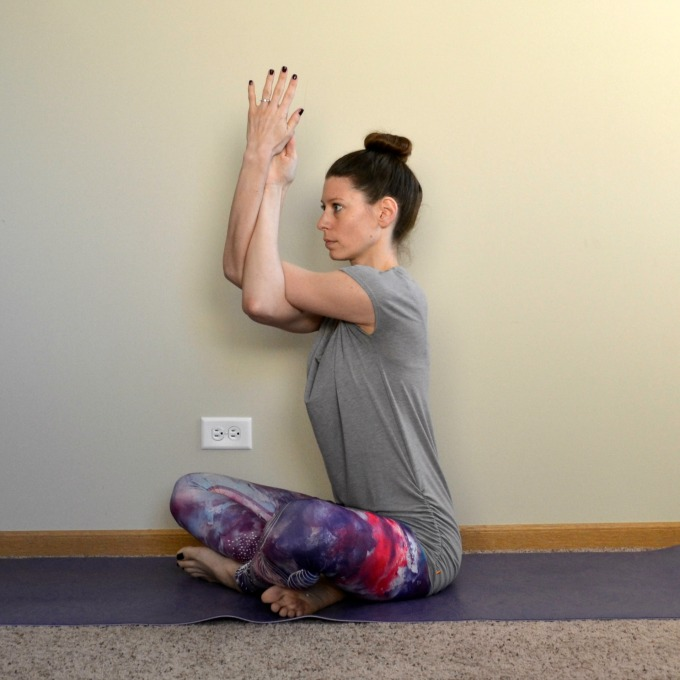 Yoga poses for the shoulders and neck: Eagle Arms