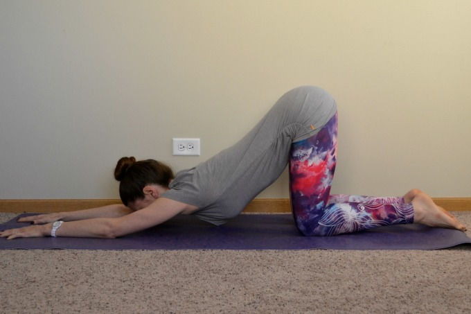 Yoga poses for the shoulders and neck: puppy pose