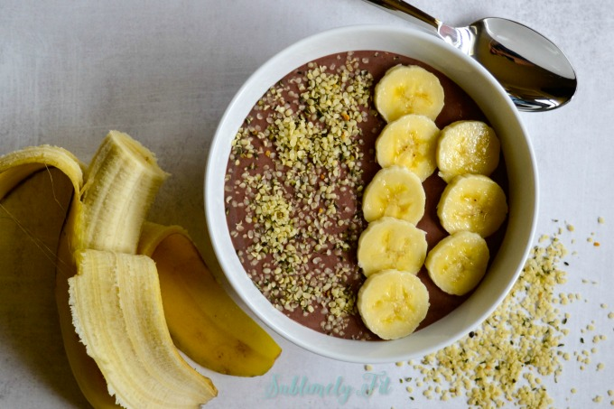 You'll love making these simple, easy Peanut Butter Acai Smoothie Bowls loaded with superfruit!